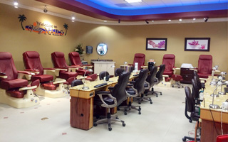 nail salon in  Palm Desert, CA 92260